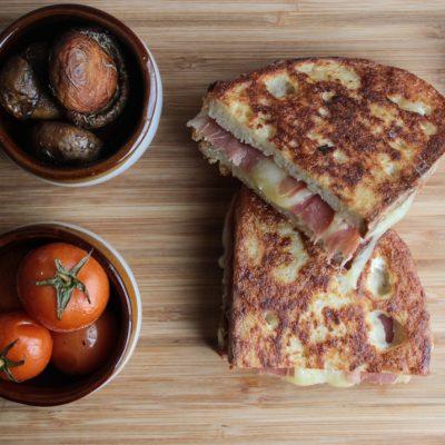 Monte Cristo Sandwich  Chris Dips